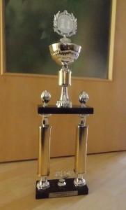 Diesen Pokal gewinnt der Mittelfränkische Meister