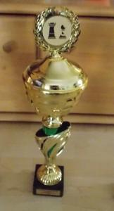 Der Pokal für den Sieger des Qualifikationsturniers